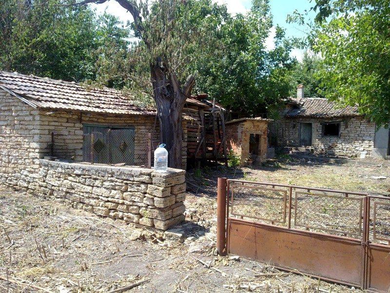 immobilien haus in bozhanovo dobrich bulgarien 70 qm bungalow 1700 sq m garten 6 km zum. Black Bedroom Furniture Sets. Home Design Ideas