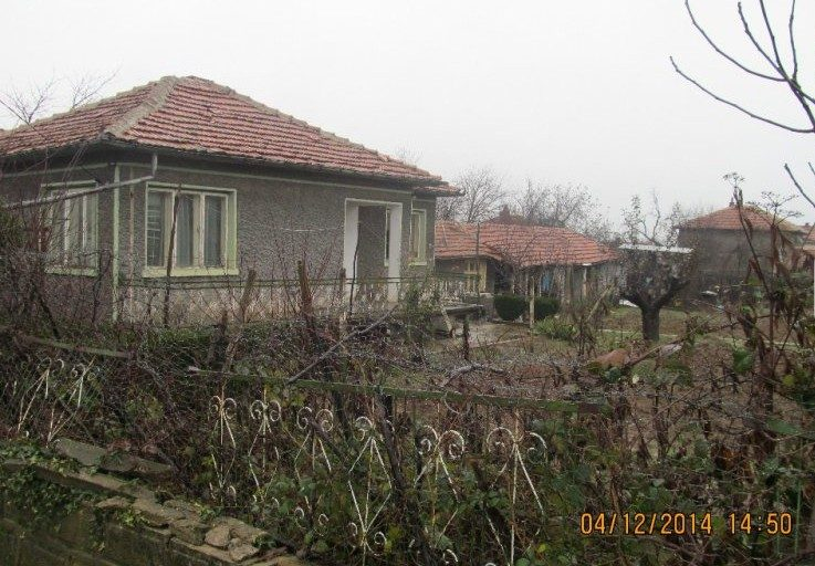 immobilien haus in asparuhovo varna bulgarien bungalow 80 qm 920 qm garten am see. Black Bedroom Furniture Sets. Home Design Ideas