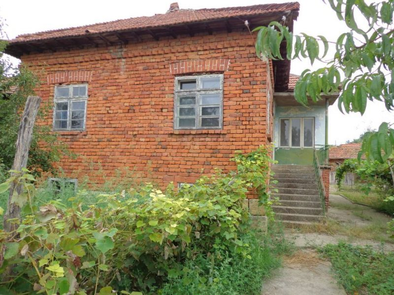 Property house in staro selo silistra bulgaria very for Extremely cheap houses