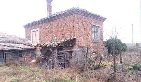 immobilien haus in malina burgas bulgarien 70 qm haus 2000 qm garten 50 km von burgas. Black Bedroom Furniture Sets. Home Design Ideas