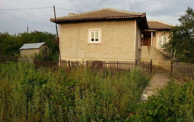 immobilien haus in zlatiya dobrich bulgarien 90 qm bungalow 1000 qm garten 12 km dobrich. Black Bedroom Furniture Sets. Home Design Ideas