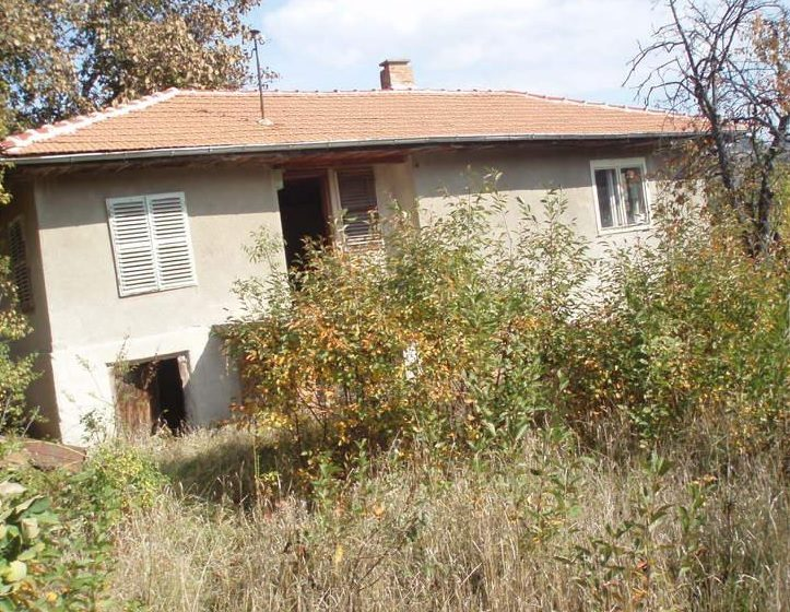 property house in ognyanovo sofia province bulgaria