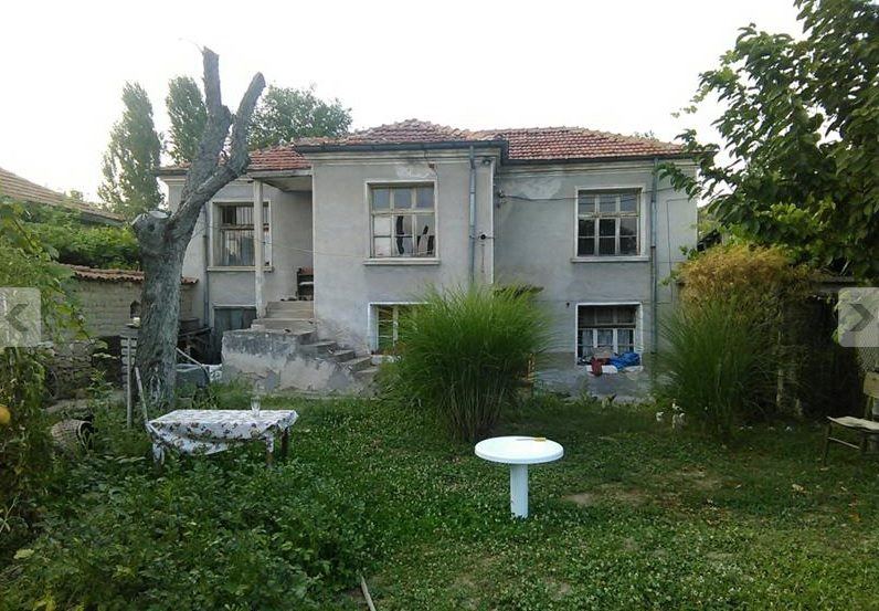 immobilien haus in pesnopoy plovdiv bulgarien bulgarian billige haus 800 m garten 3. Black Bedroom Furniture Sets. Home Design Ideas