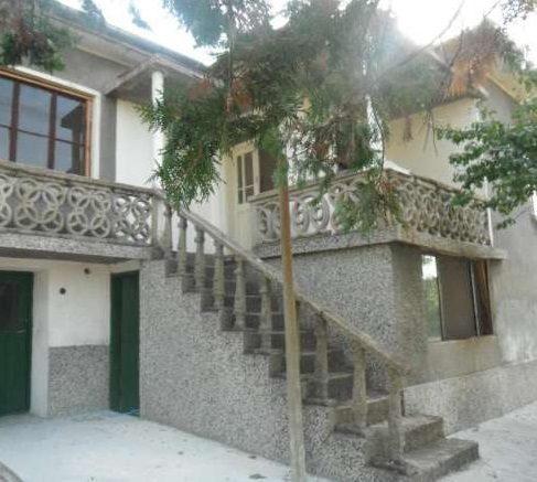 immobilien haus in savino yambol bulgarien 90 qm haus 3 schlafzimmer 4600 qm garten 120. Black Bedroom Furniture Sets. Home Design Ideas