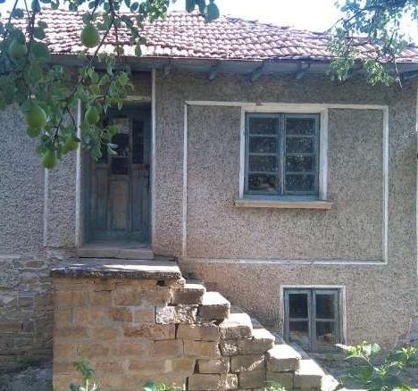 Immobilien haus in daskot veliko tarnovo bulgarien 80 for Wohnzimmer 80 qm