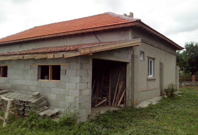 immobilien haus in gurkovo dobrich bulgarien 80 qm bungalow 1036 sq m garten 8 km nach. Black Bedroom Furniture Sets. Home Design Ideas