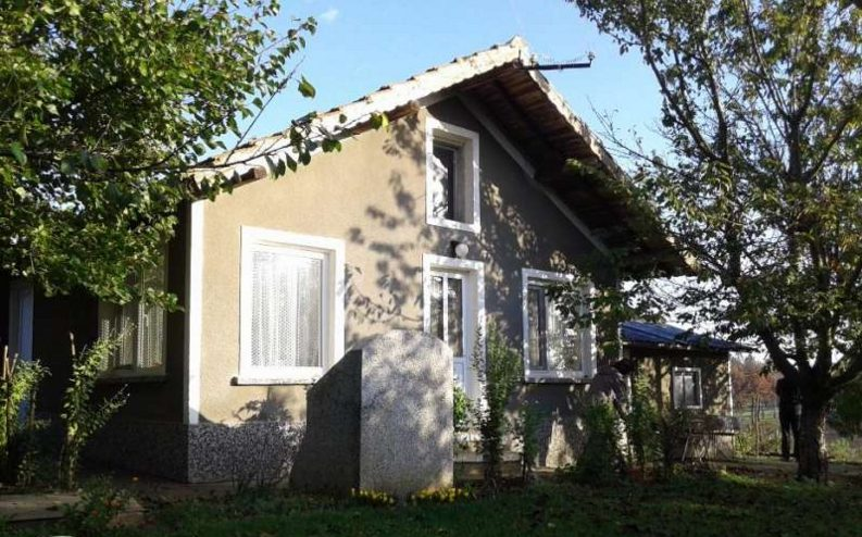 immobilien haus in vedrina dobrich bulgarien 60 qm bungalow 800 m garten 50 km nach varna. Black Bedroom Furniture Sets. Home Design Ideas