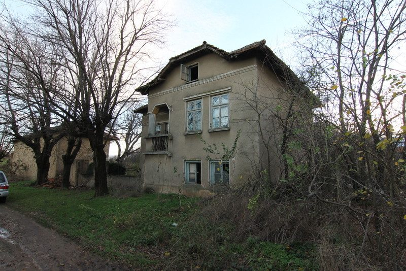 cheap property for sale in bulgaria 4 bedrooms 3050 sq m garden