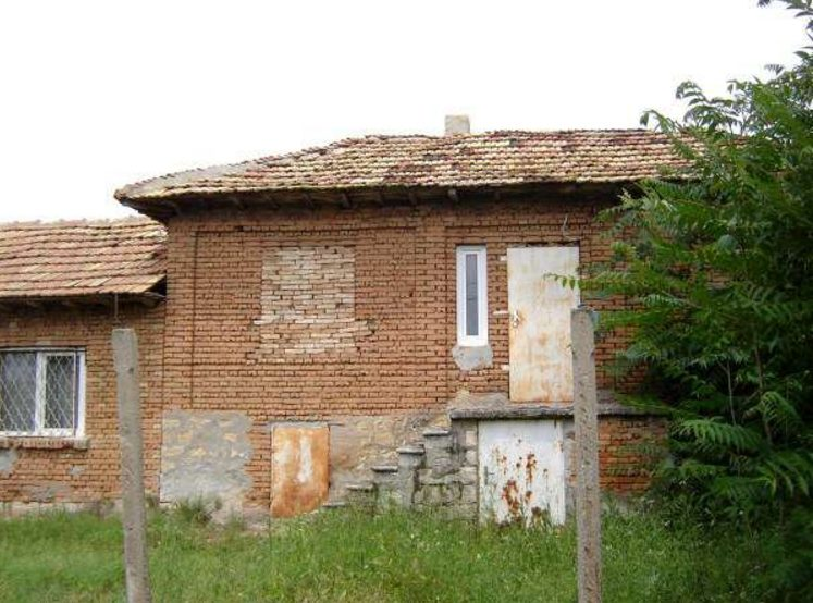 immobilien haus in brestak varna bulgarien 90 qm bungalow 690 qm garten 50 km nach varna. Black Bedroom Furniture Sets. Home Design Ideas