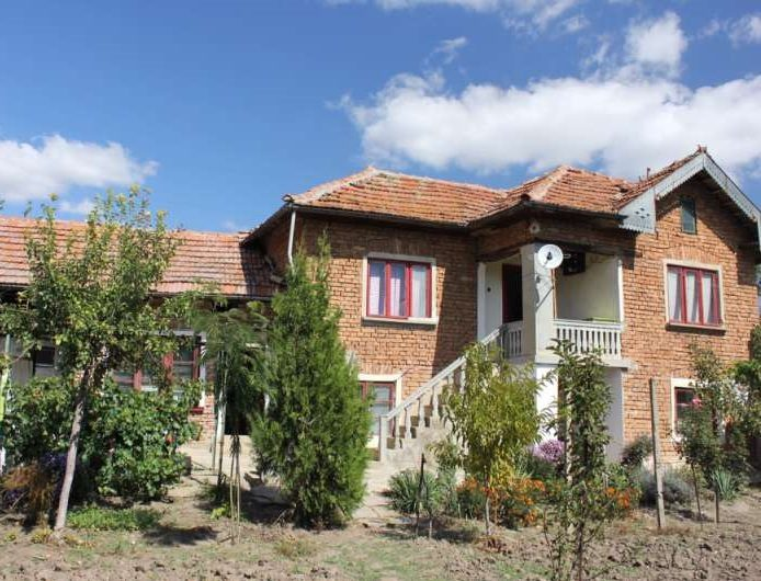 property house in varzulitsa veliko tarnovo bulgaria