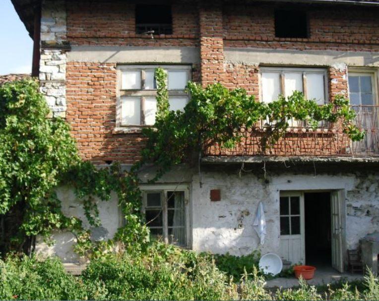 immobilien haus in koprivlen blagoevgrad bulgarien 150 qm haus 8 zimmer 456 qm garten 10. Black Bedroom Furniture Sets. Home Design Ideas