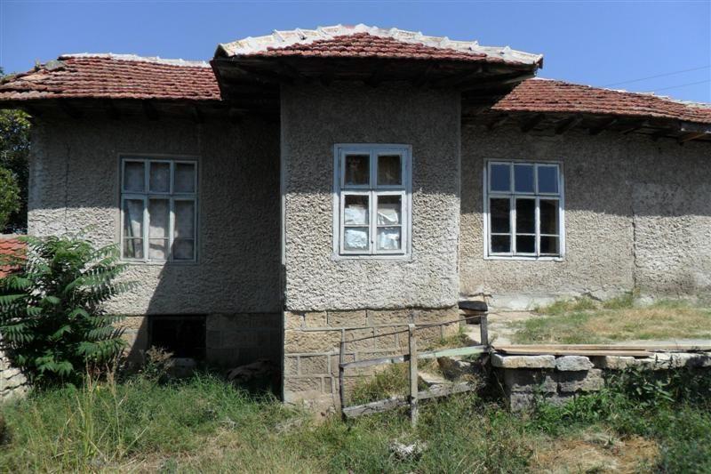 immobilien haus in dobrina varna bulgarien 70 qm bungalow 4100 qm garten 4 km zu provadya. Black Bedroom Furniture Sets. Home Design Ideas