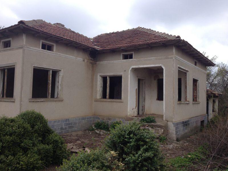 immobilien haus in vasilevo dobrich bulgarien 90 qm bungalow 2200 qm garten 25 km zu kavarna. Black Bedroom Furniture Sets. Home Design Ideas
