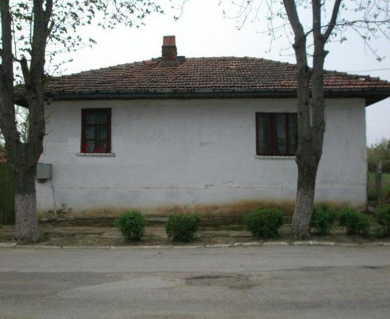 immobilien haus in srebarna silistra bulgarien 70 qm bungalow 1350 qm garten 5 km an der. Black Bedroom Furniture Sets. Home Design Ideas