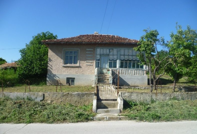 Immobilien haus in botevo varna bulgarien 74 qm for Gartengestaltung 700 qm
