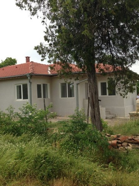 immobilien haus in vasilevo dobrich bulgarien 80 qm bungalow 2000 sq m garten 27 km. Black Bedroom Furniture Sets. Home Design Ideas