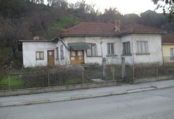 immobilien haus in oryahovo vratsa bulgarien 70 qm haus 3 schlafzimmer 418 qm garten am. Black Bedroom Furniture Sets. Home Design Ideas