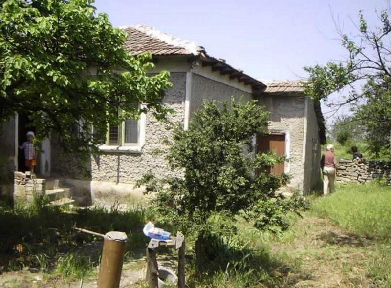 immobilien haus in hrabrovo dobrich bulgarien 70 qm bungalow 3240 qm garten 15 km balchik. Black Bedroom Furniture Sets. Home Design Ideas