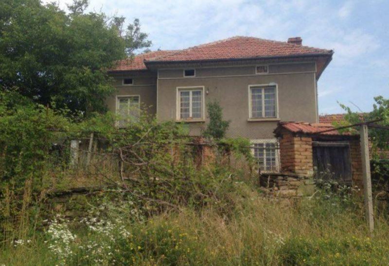 immobilien haus in lovnidol gabrovo bulgarien 100 qm haus 6 zimmer 4000 m garten in den. Black Bedroom Furniture Sets. Home Design Ideas