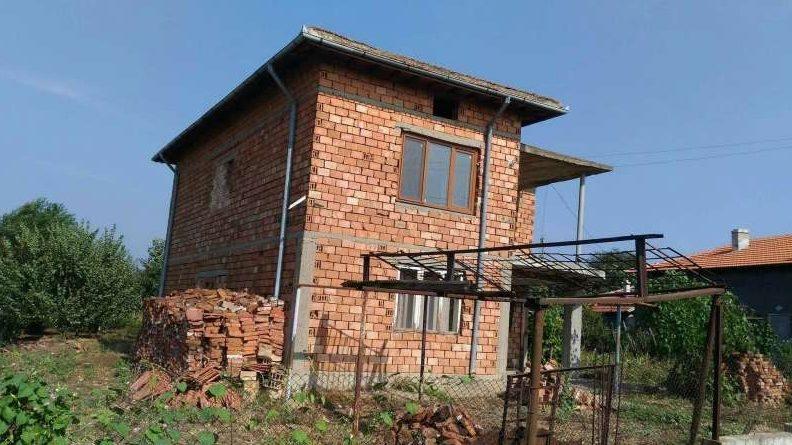 immobilien haus in lyuben silistra bulgarien haus 128 m2 grundst ck 1970 m2 26 km von donau. Black Bedroom Furniture Sets. Home Design Ideas
