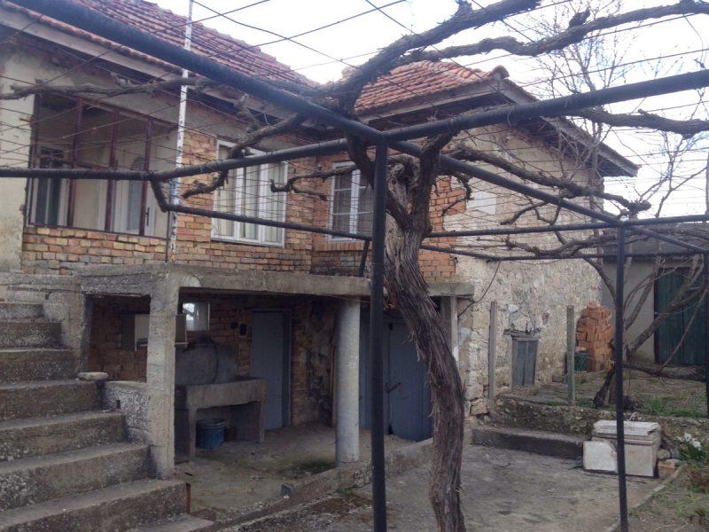 immobilien haus in rogachevo dobrich bulgarien 100 m2 haus f r die renovierung 3 zimmer. Black Bedroom Furniture Sets. Home Design Ideas
