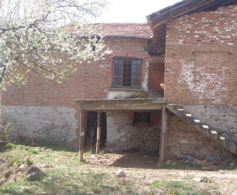 immobilien haus in gospodintsi blagoevgrad bulgarien 100 qm haus 4 zimmer 500 qm garten. Black Bedroom Furniture Sets. Home Design Ideas