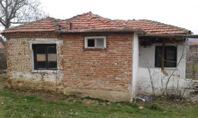 immobilien haus in ruen burgas bulgarien 50 qm haus 2 zimmer 1000 qm garten 40 km von burgas. Black Bedroom Furniture Sets. Home Design Ideas