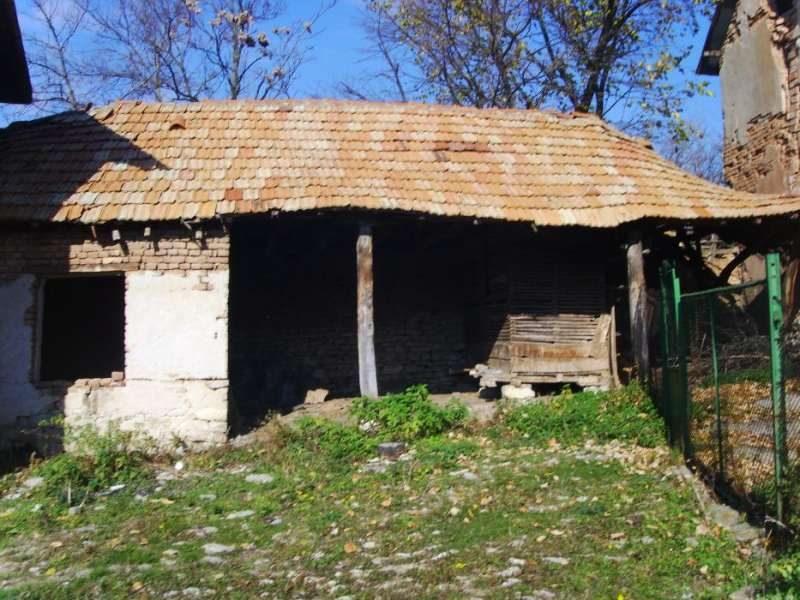 immobilien haus in petarnitsa pleven bulgarien zweist ckiges haus mit 5455 qm garten zum. Black Bedroom Furniture Sets. Home Design Ideas