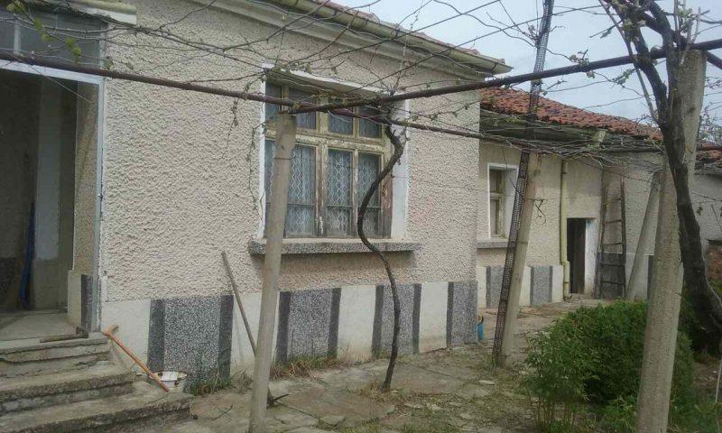 immobilien haus in borets plovdiv bulgarien 90 qm haus 2 schlafzimmer 2000 qm garten 35. Black Bedroom Furniture Sets. Home Design Ideas