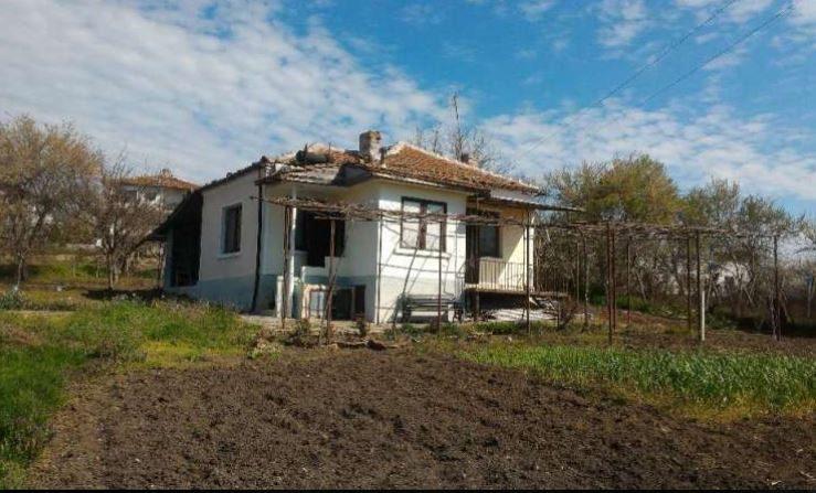 immobilien haus in dimchevo burgas bulgarien 70 qm haus 2 schlafzimmer 2000 qm garten 20. Black Bedroom Furniture Sets. Home Design Ideas