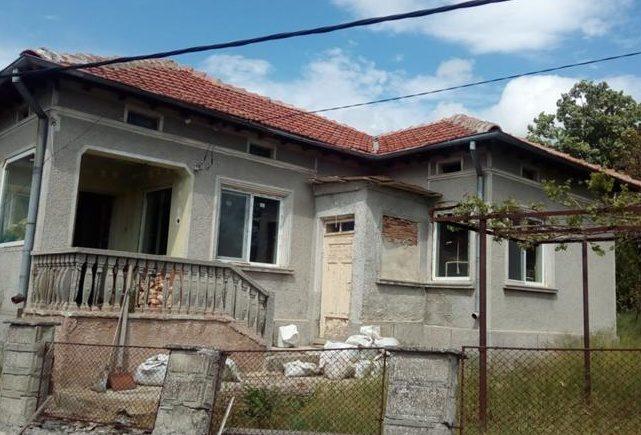 immobilien haus in krasen dobrich bulgarien 90 qm haus 2600 qm garten 35 km nach dobrich. Black Bedroom Furniture Sets. Home Design Ideas
