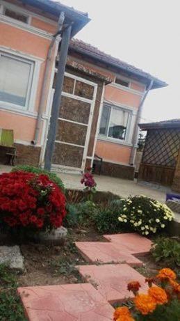 immobilien haus in dobrich dobrich bulgarien 70 qm haus 2 schlafzimmer 500 qm garten 35. Black Bedroom Furniture Sets. Home Design Ideas