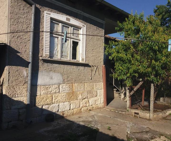 immobilien haus in tsar kaloyan razgrad bulgarien 80 qm haus 910 qm grundst ck. Black Bedroom Furniture Sets. Home Design Ideas