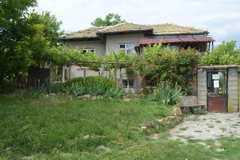 immobilien haus in slavyanovo targovishte bulgarien 60 qm haus 3270 qm land 2. Black Bedroom Furniture Sets. Home Design Ideas