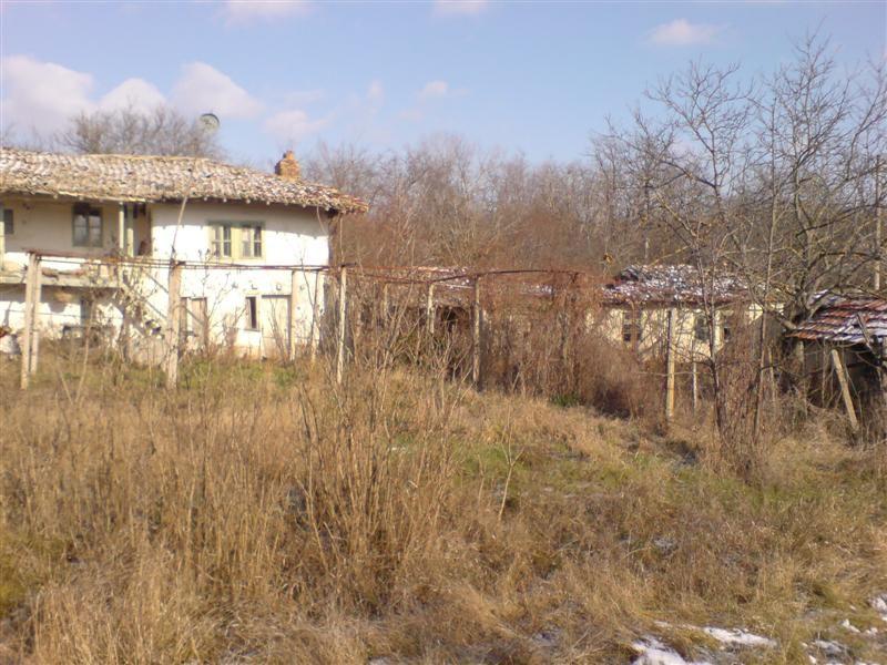 immobilien haus in velino shumen bulgarien haus 90 qm 6 zimmer grundst ck 1200 qm 22 km. Black Bedroom Furniture Sets. Home Design Ideas