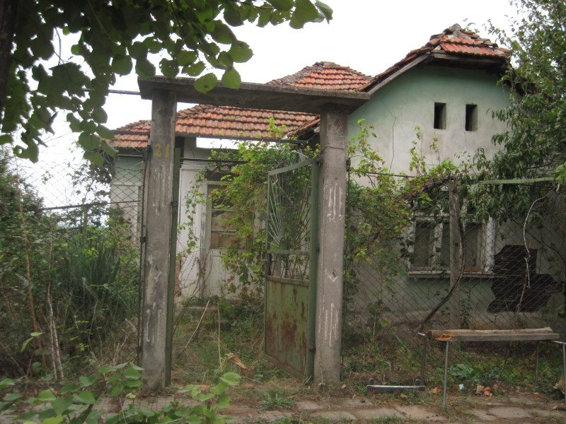 property house in slivata montana bulgaria very cheap