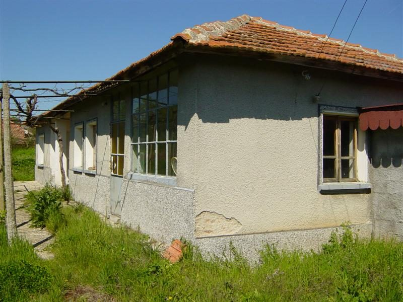 immobilien haus in malko sharkovo yambol bulgarien haus 60 qm 3 zimmer bad grundst ck. Black Bedroom Furniture Sets. Home Design Ideas