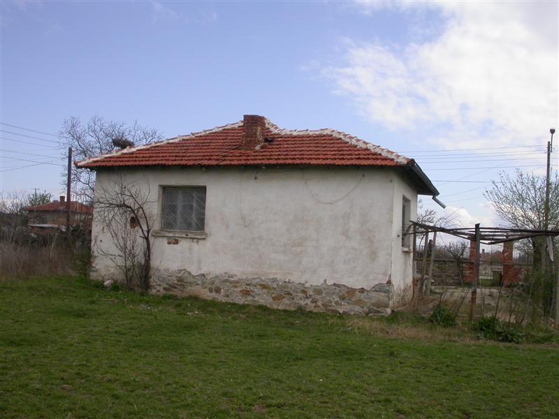 immobilien haus in meden kladenets yambol bulgarien haus 50 qm 3 zimmer grundst ck 1780. Black Bedroom Furniture Sets. Home Design Ideas