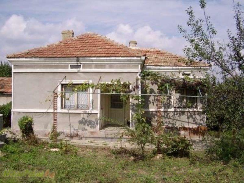 immobilien haus in kozloduytsi dobrich bulgarien haus 80 qm 4 zimmer bad keller. Black Bedroom Furniture Sets. Home Design Ideas