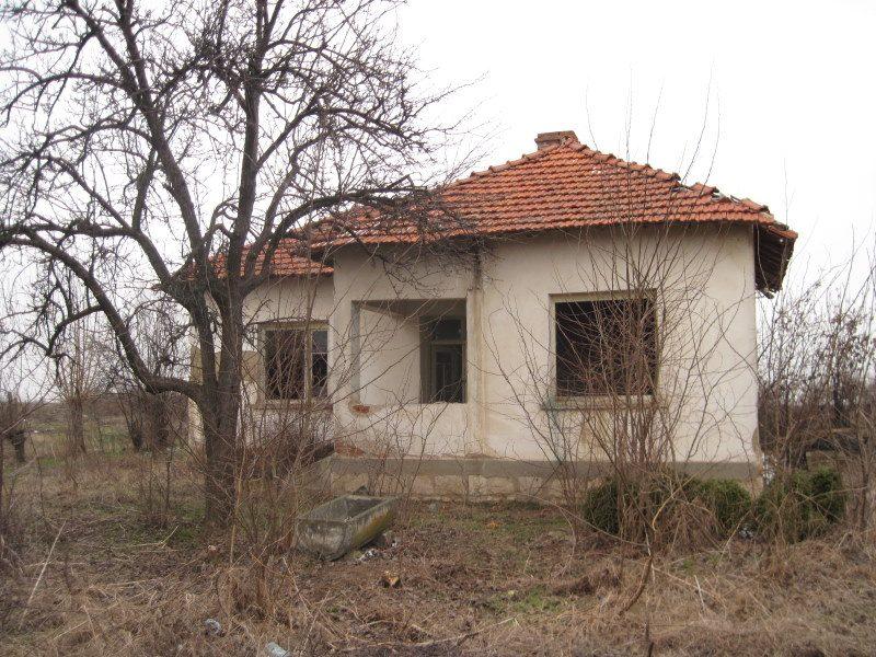 immobilien haus in mokresh montana bulgarien g nstige unterkunft ruhigen dorf in der n he. Black Bedroom Furniture Sets. Home Design Ideas