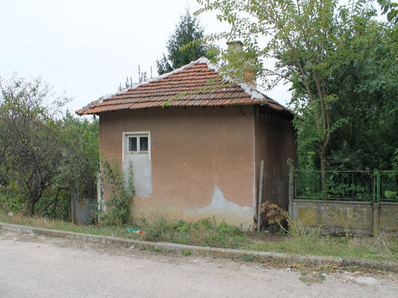 property house in zlatiya montana bulgaria cheap
