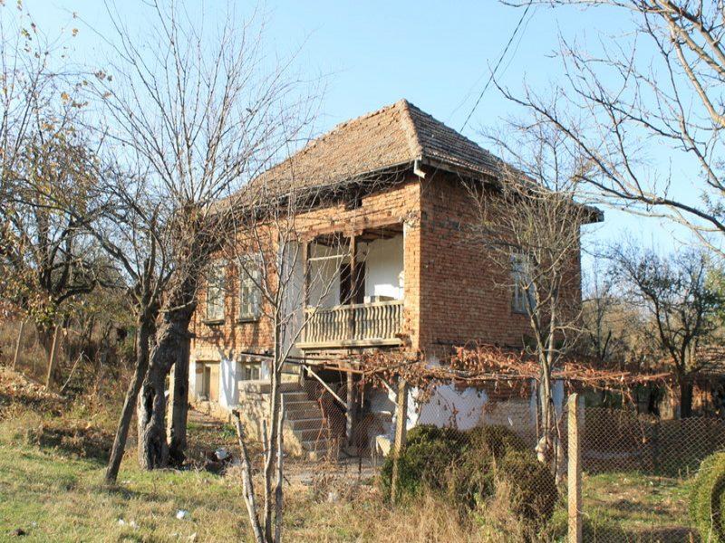 immobilien haus in varbitsa vratsa bulgarien brick gebautes haus 1050 qm garten 4. Black Bedroom Furniture Sets. Home Design Ideas