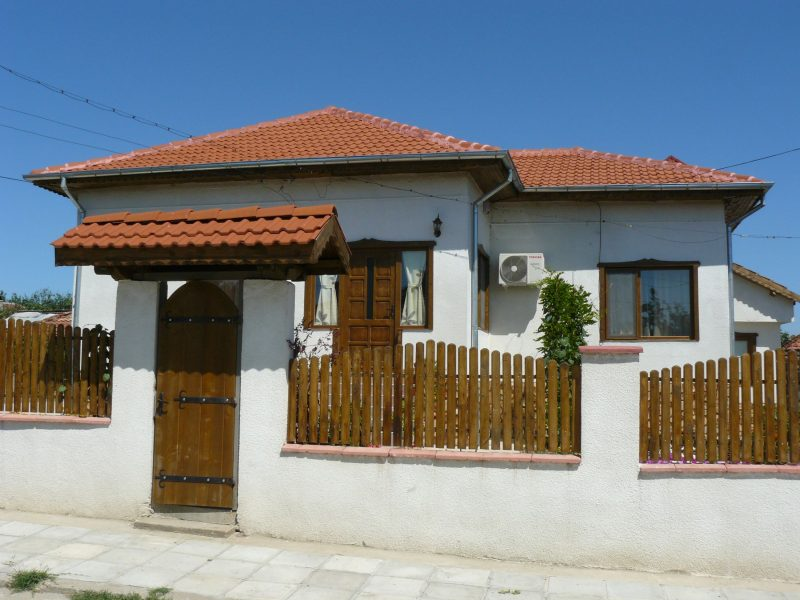 immobilien haus in srebarna silistra bulgarien 3 schlafzimmer 2 badezimmer neu. Black Bedroom Furniture Sets. Home Design Ideas