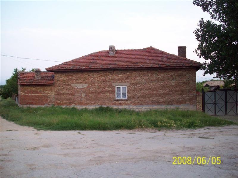 immobilien haus in zhitnitsa varna bulgarien haus 100 qm 3 zimmer garage grundst ck 1740. Black Bedroom Furniture Sets. Home Design Ideas