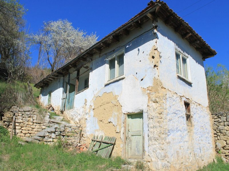 immobilien haus in smolcha sofia province bulgarien g nstige altes haus sch ne gegend um. Black Bedroom Furniture Sets. Home Design Ideas