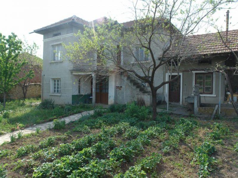immobilien haus in dryanovets ruse bulgarien landhaus 3 schlafzimmer 140 qm wohnfl che. Black Bedroom Furniture Sets. Home Design Ideas