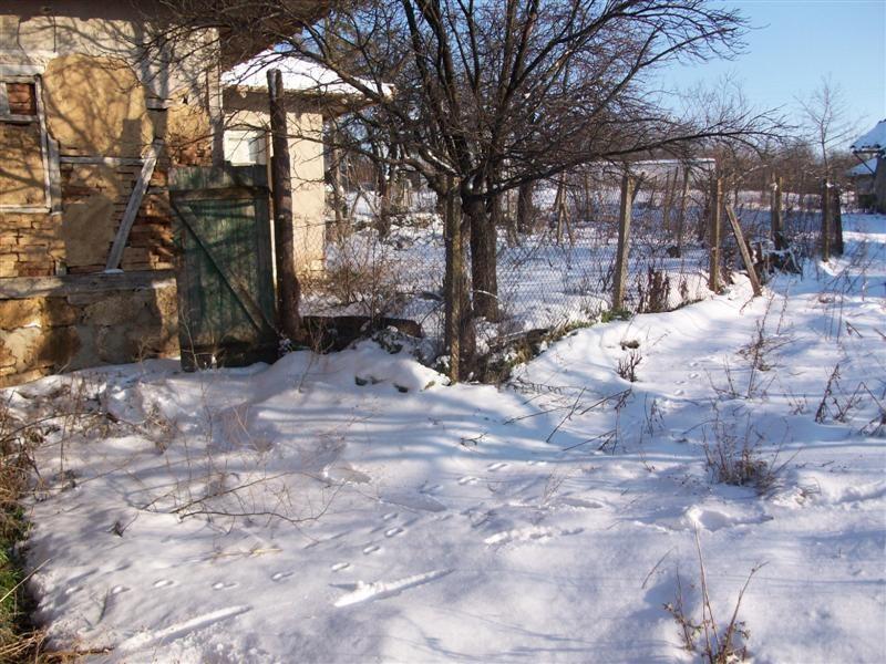 immobilien haus in kamenovo razgrad bulgarien haus 80 qm 4 zimmer grundst ck 937 qm 25. Black Bedroom Furniture Sets. Home Design Ideas