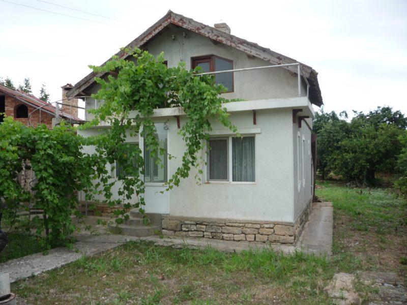 immobilien haus in rakovski dobrich bulgarien 70 qm festes haus 1300 qm garten 8 km von. Black Bedroom Furniture Sets. Home Design Ideas