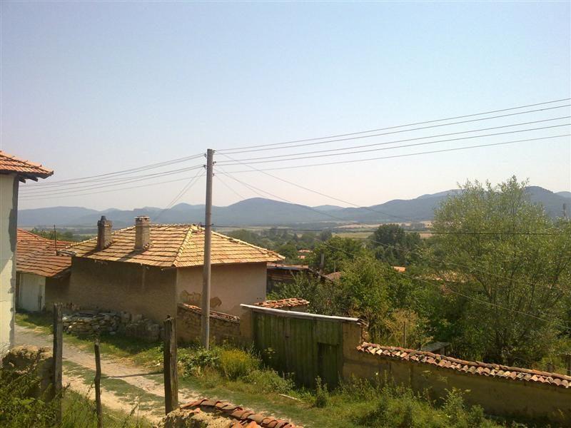immobilien haus in rish shumen bulgarien haus 80 qm. Black Bedroom Furniture Sets. Home Design Ideas