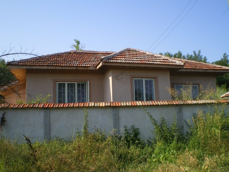 immobilien haus in popina silistra bulgarien feste haus 100 qm neues bad gro es. Black Bedroom Furniture Sets. Home Design Ideas